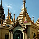 Sule-Pagoda_Attraction