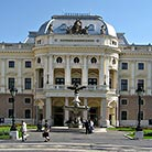 Bratislavas-Opera-House-(Slovak-National-Theater)_Attraction