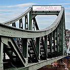 Frankfurt-Bridge_Daniel-Peichev_Attraction